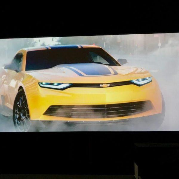 samochód wygląda jak prawidziwy na farbie projekcyjnej